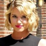 blond kurz wellenformige frisuren