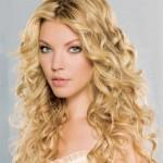 neue frisuren mit langen lockigen haaren