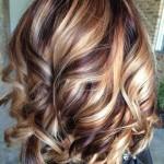trendy kurzhaarfrisuren lockiges haar